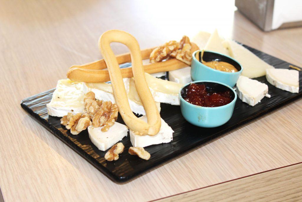 Plato de queso variado-Cervecería en Alicante-Sento